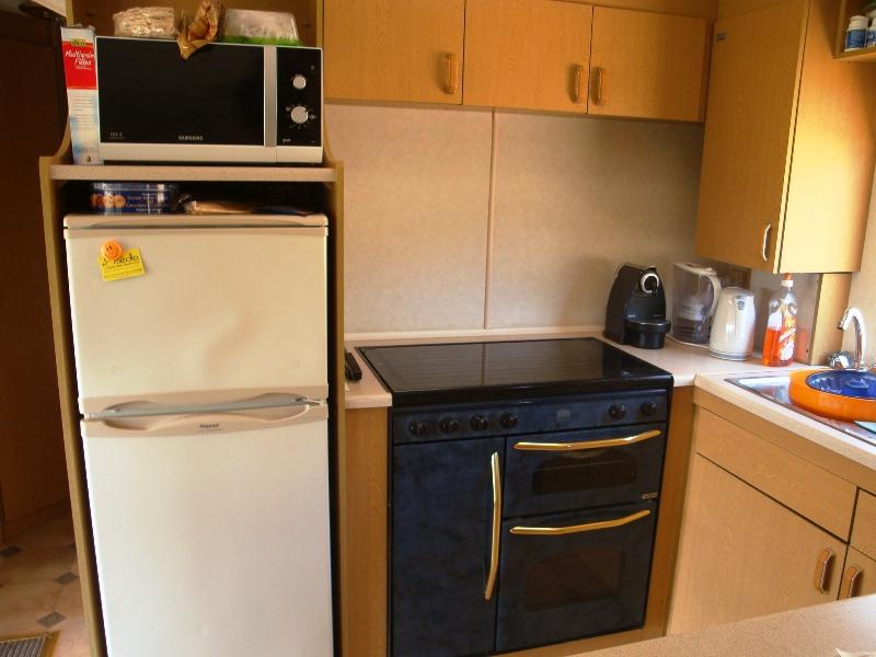 Cucine moderne con frigo esterno immagini ispirazione - Cucine con frigo a vista ...